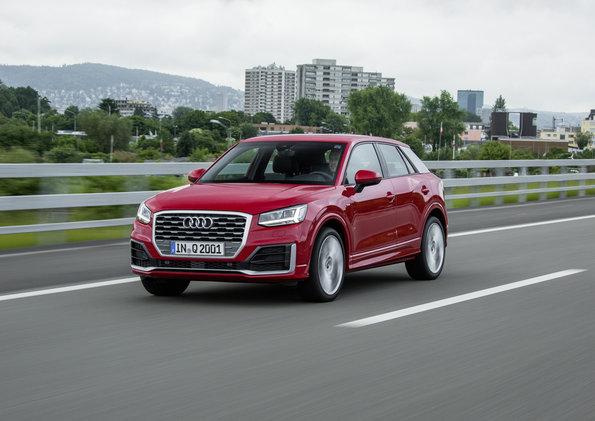 Audi Q2 VS Audi A3 (S line, 1.4 150PS, S tronic)